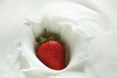 Những cách làm đẹp thần kỳ với sữa - 3