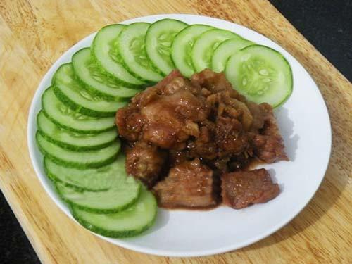 Làm mới với món thịt heo xào mắm ruốc - 9