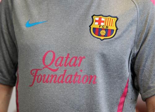 Lộ diện áo đấu của Barca mùa tới - 5