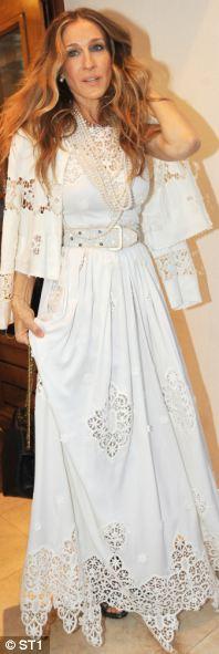 Ngắm sao diện váy ren trắng tao nhã - 13