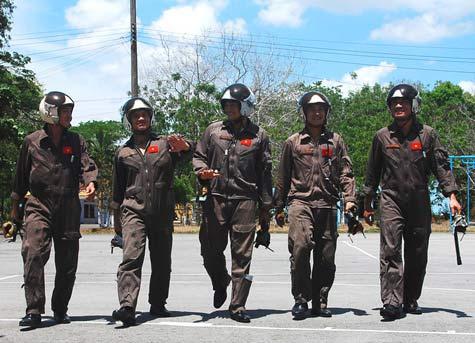 Cận cảnh chiến đấu cơ Việt khai hỏa - 9
