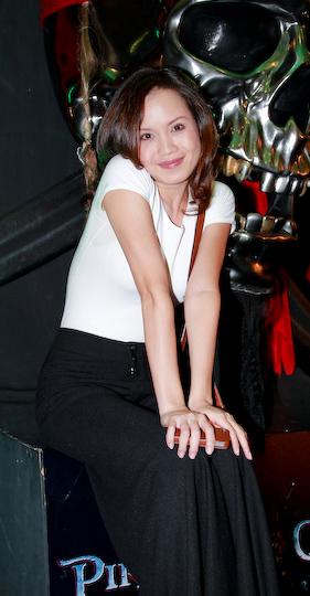Ngọc Oanh mặc đẹp với quần ống suông - 6