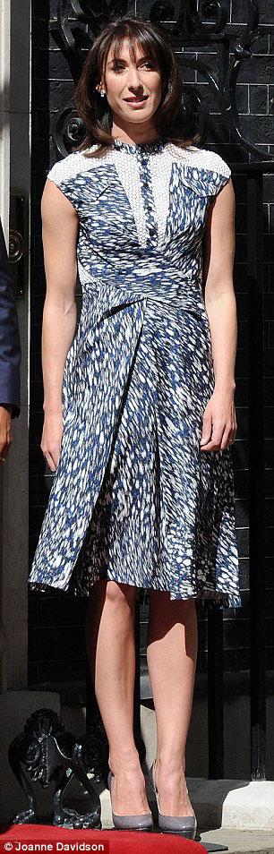 Kate Middleton mặc váy giá rẻ vẫn đẹp - 12