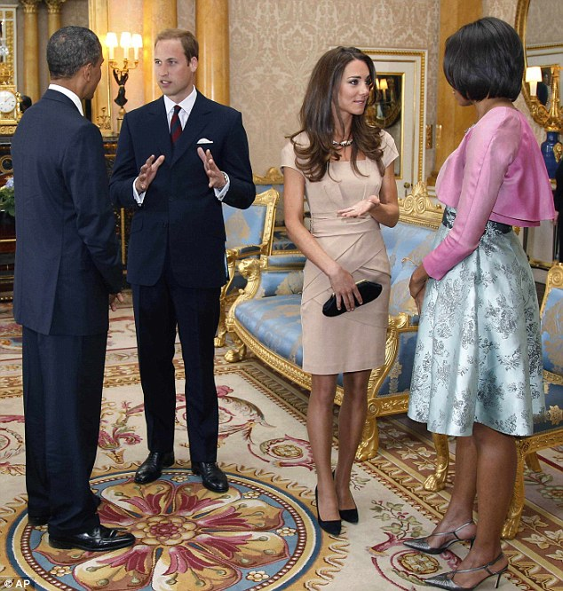 Kate Middleton mặc váy giá rẻ vẫn đẹp - 14