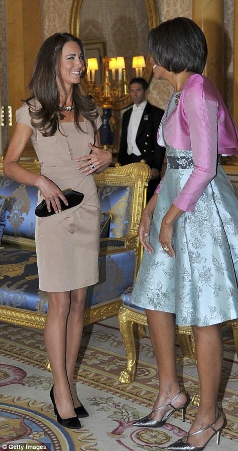 Kate Middleton mặc váy giá rẻ vẫn đẹp - 15