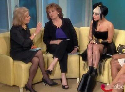 Lady Gaga: Quái dị 'tăng tốc' - 12
