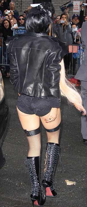 Lady Gaga: Quái dị 'tăng tốc' - 15