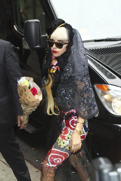 Lady Gaga: Quái dị 'tăng tốc' - 10