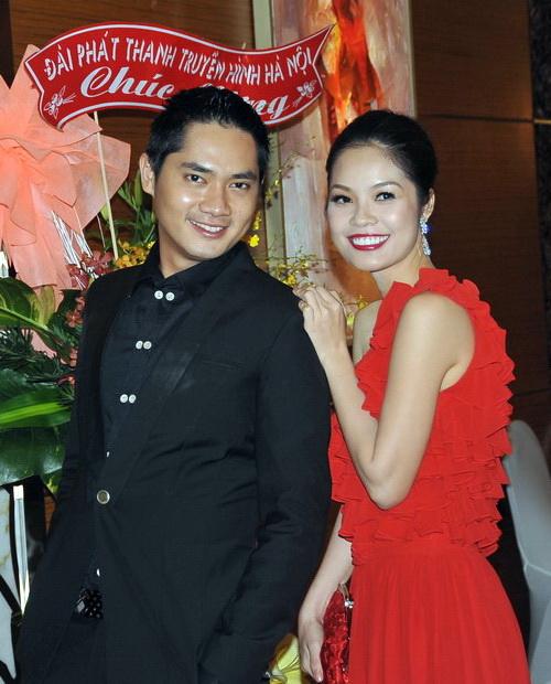 Minh Luân lại thân mật với Cẩm Lynh - 1