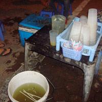 Nước mía: Siêu rẻ, siêu mát và siêu bẩn!