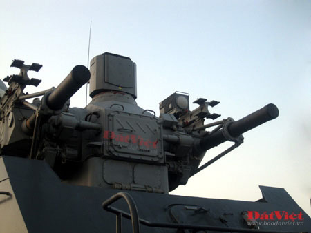Cận cảnh hỏa lực chiến hạm Đinh Tiên Hoàng - 3