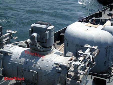 Cận cảnh hỏa lực chiến hạm Đinh Tiên Hoàng - 4