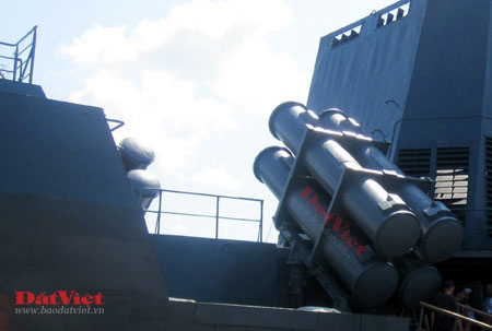 Cận cảnh hỏa lực chiến hạm Đinh Tiên Hoàng - 8