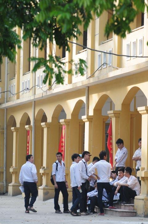 Những hình ảnh đầu tiên kỳ thi tốt nghiệp THPT - 1