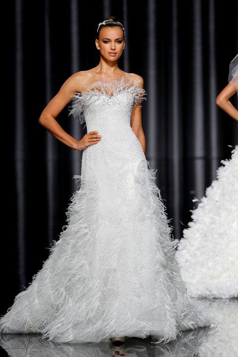 Lung linh váy cưới hàng hiệu Tây Ban Nha - 5