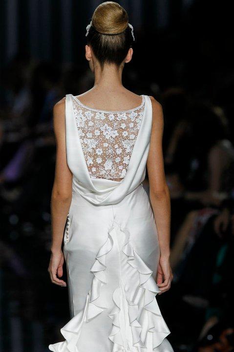 Lung linh váy cưới hàng hiệu Tây Ban Nha - 10