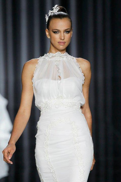 Lung linh váy cưới hàng hiệu Tây Ban Nha - 9