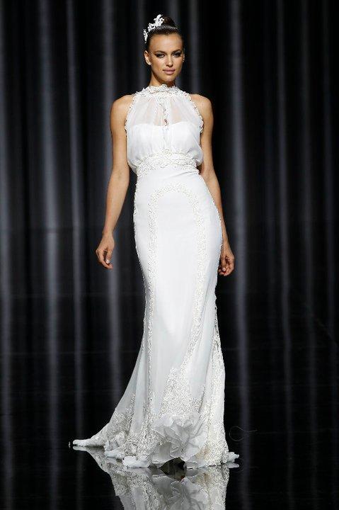 Lung linh váy cưới hàng hiệu Tây Ban Nha - 14