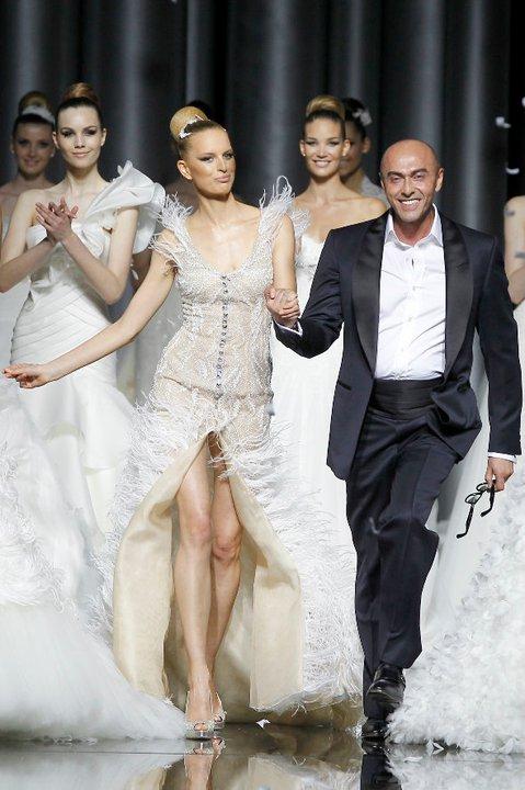 Lung linh váy cưới hàng hiệu Tây Ban Nha - 2