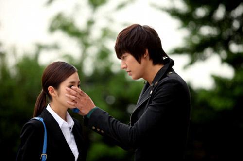 Phim mới Lee Min Ho: Dù hot vẫn ế - 5