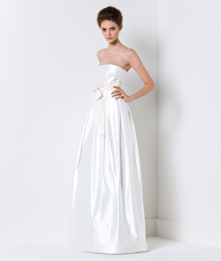 Chọn váy cưới cho cô dâu nhỏ nhắn - 7