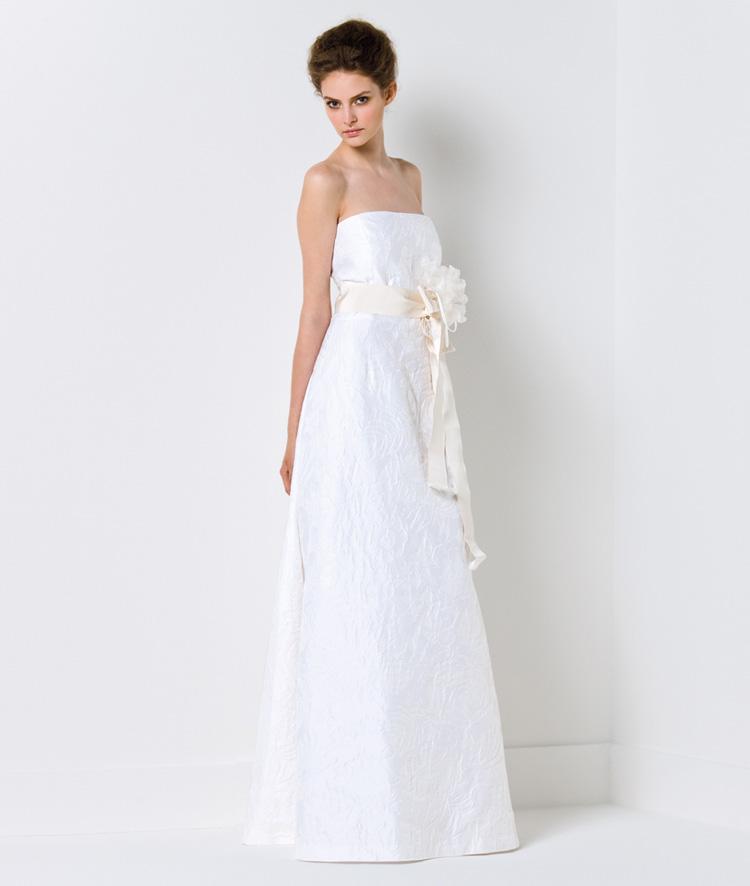 Chọn váy cưới cho cô dâu nhỏ nhắn - 8