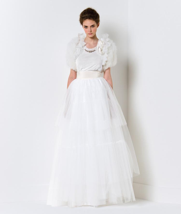 Chọn váy cưới cho cô dâu nhỏ nhắn - 10