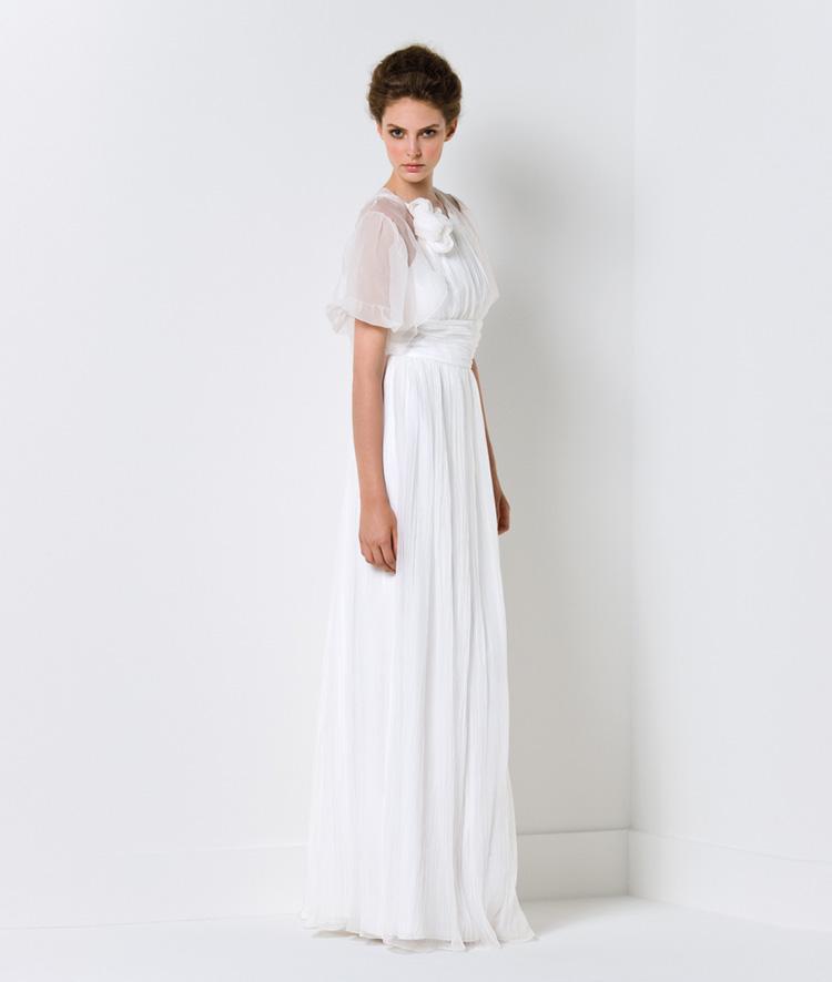 Chọn váy cưới cho cô dâu nhỏ nhắn - 12