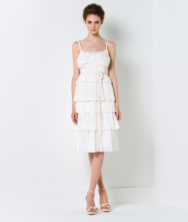 Chọn váy cưới cho cô dâu nhỏ nhắn - 2