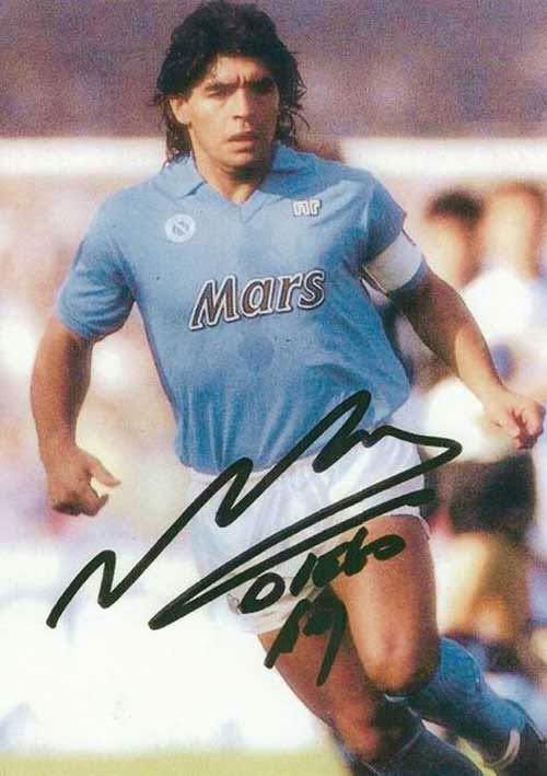 """Maradona: Sự nghiệp lẫy lừng của """"cậu bé vàng"""" - 1"""