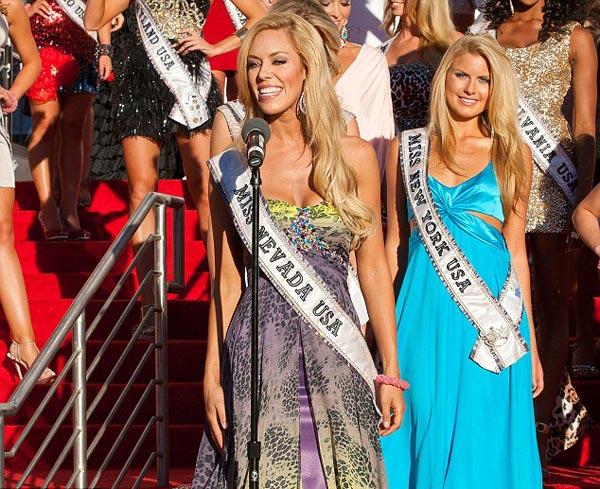 Đại tiệc bikini sexy của Hoa hậu Mỹ 2011 - 16