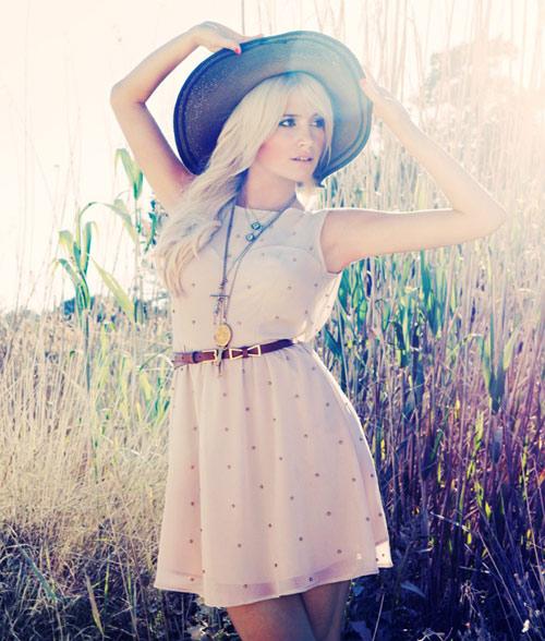 Váy áo dễ thương cho tiểu thư dạo phố - 1