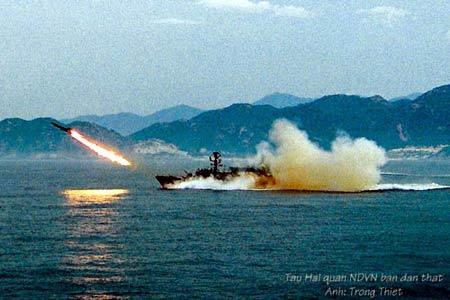 Hải quân Việt Nam luyện tập bắn đạn thật - 5