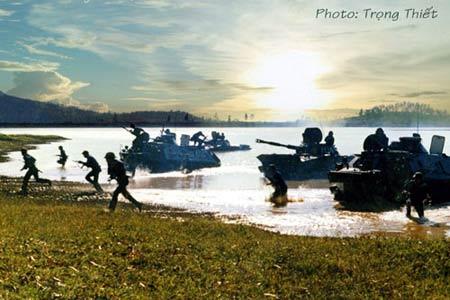 Hải quân Việt Nam luyện tập bắn đạn thật - 7
