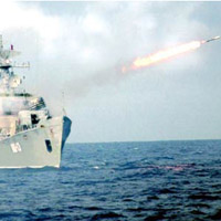 Hải quân Việt Nam luyện tập bắn đạn thật