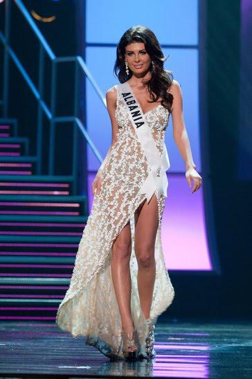 Hoa hậu Albani cả gan không quần chíp - 10