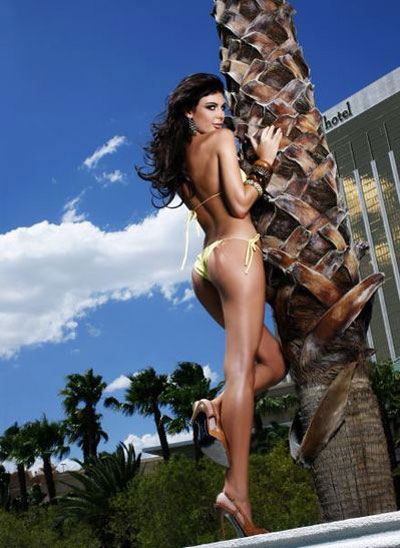 Hoa hậu Albani cả gan không quần chíp - 13