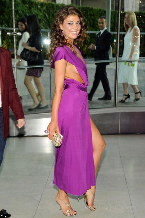 Hoa hậu Albani cả gan không quần chíp - 2