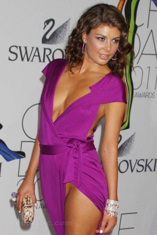 Hoa hậu Albani cả gan không quần chíp - 9