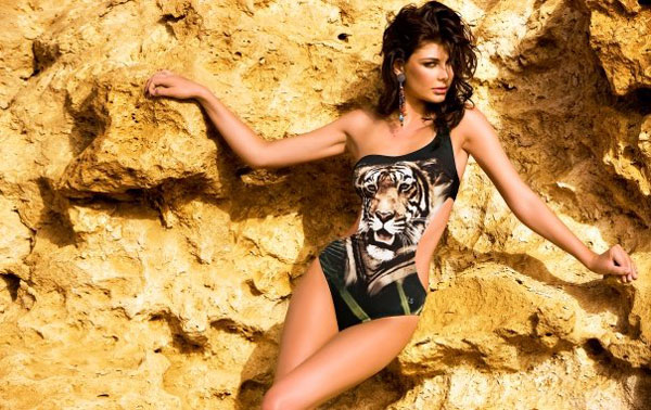 Hoa hậu Albani cả gan không quần chíp - 14