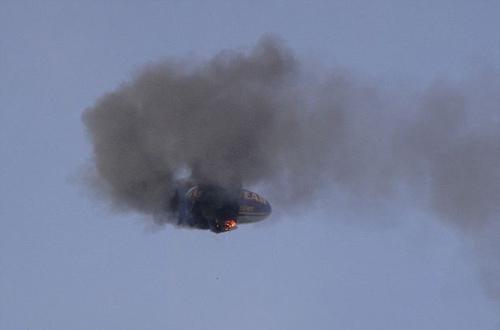 Video: Khinh khí cầu bốc cháy giữa trời - 2