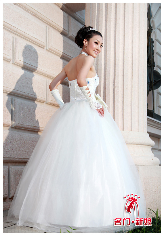 Sắm váy cưới Hàn Quốc giá bình dân - 10