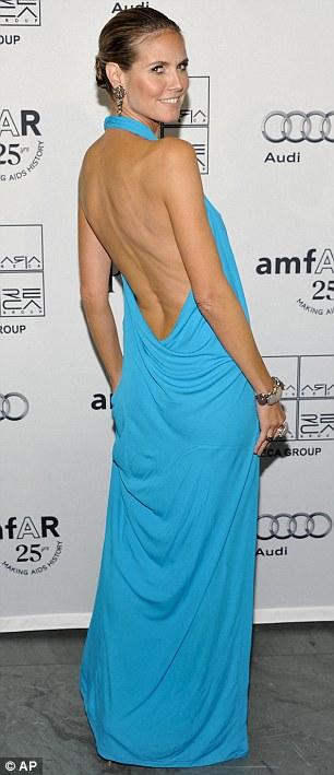 """Heidi Klum hằn... """"vết"""" ở ngực - 2"""