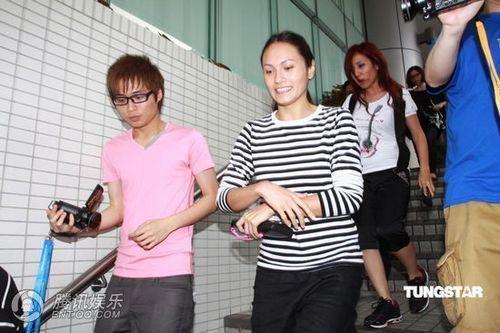 Trương Bá Chi bị mẹ chồng theo dõi - 8