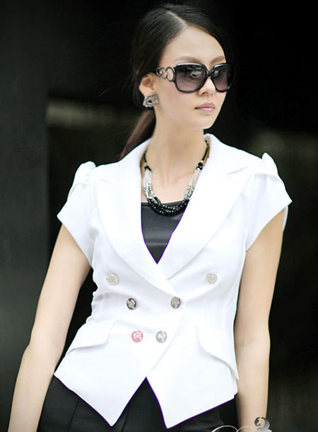 Công sở đẹp lạ thường với vest cộc tay - 3