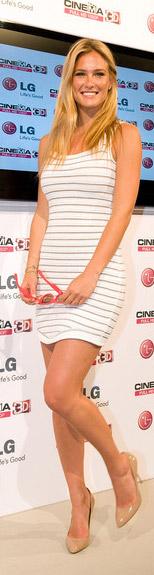 Tư vấn: Có nên mặc váy kẻ ngang như cô Kim? - 9