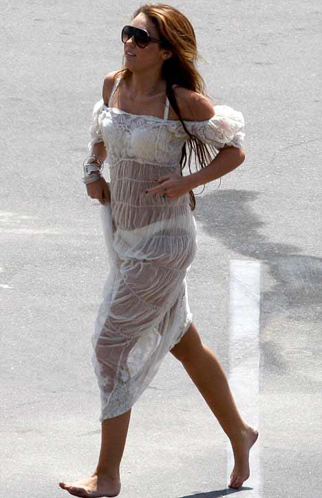Bắt lỗi 1001 kiểu váy trong suốt của sao - 15