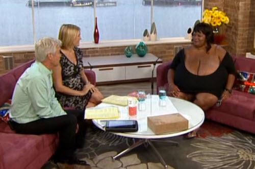 Cô gái ngực khủng tái xuất truyền hình - 3