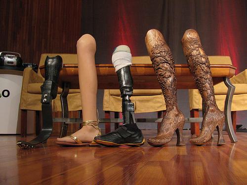 Cụt chân vẫn trở thành siêu mẫu sáng giá, Thời trang, sieu mau khuyet tat, nguoi mau cut chan,