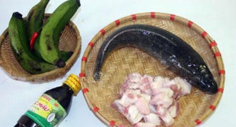 Cá kho chuối xanh - món ngon dân dã - 1